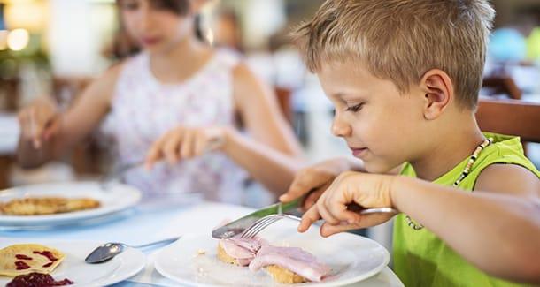 Cena per bambini: cosa mettere a tavola?