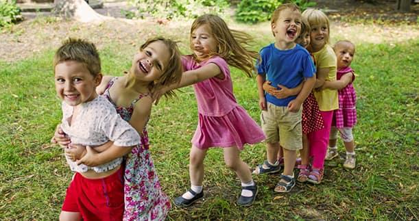 Giochi Di Gruppo Per Bambini Crescere Divertendosi Fruttolo