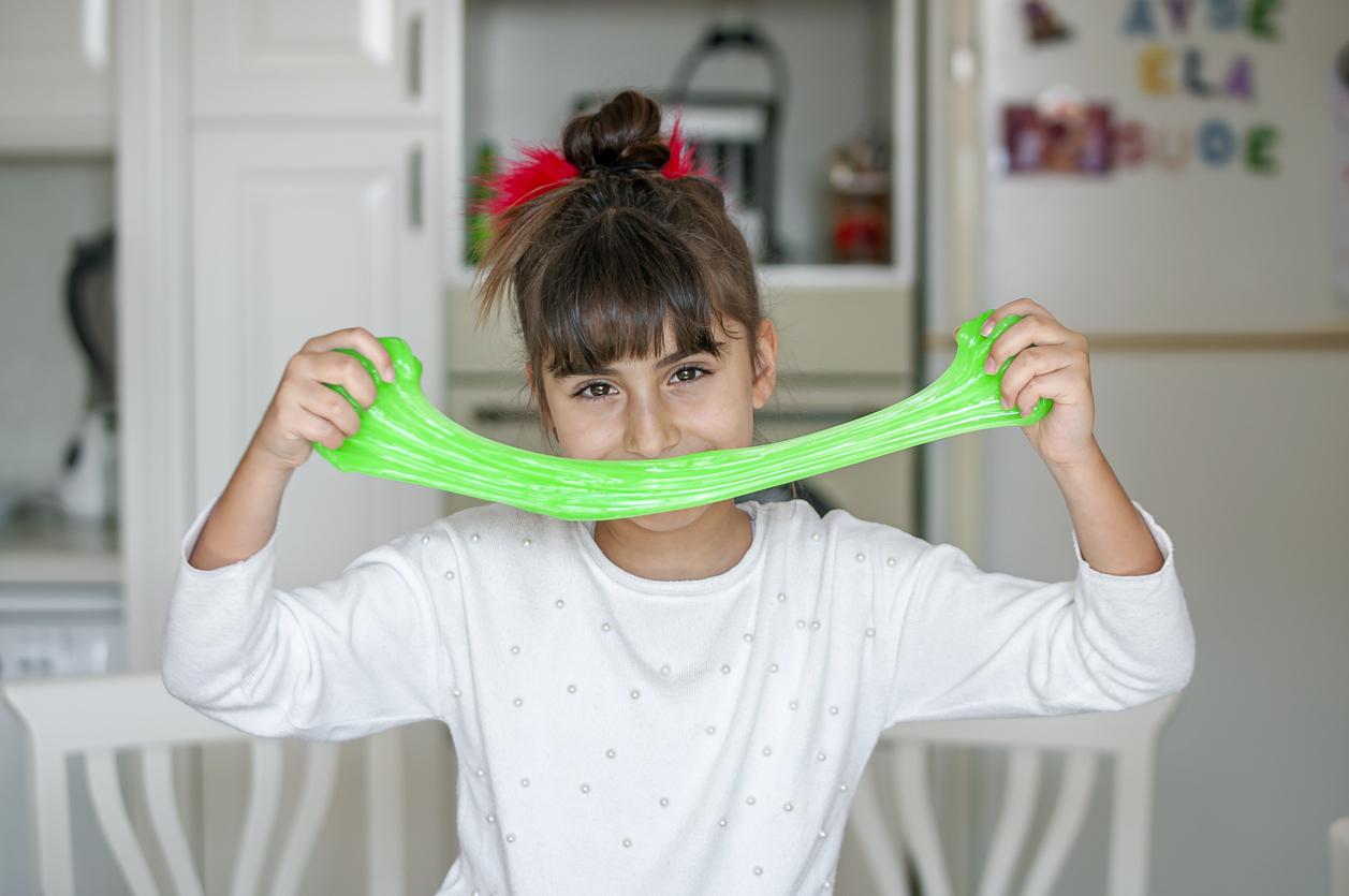 Slime fatto in casa da bambini: come farlo facilmente e divertirsi!